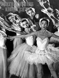 Fonteyn and the Swans