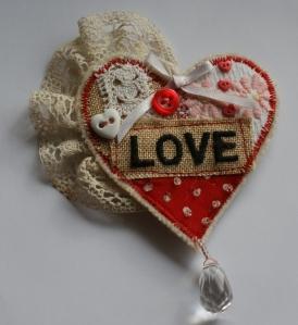 Love Heart - vintage-style brooch