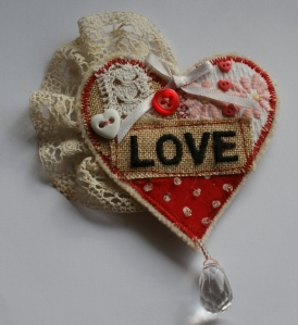 Love Heart - vintage-style brooch