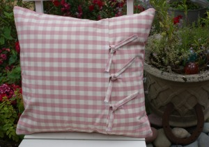 cushion back with ties