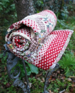 Dolly Daydreams cot/lap quilt