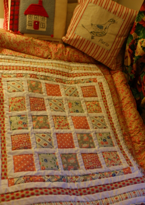 Snuggle-up Retro Quilt