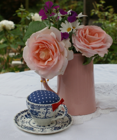teacup pincushion - willow pattern