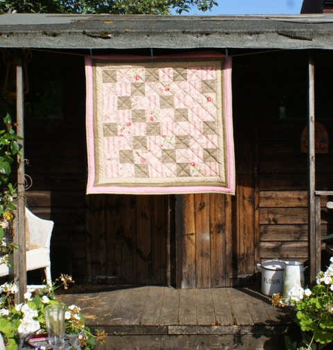 In the Secret Garden quilt