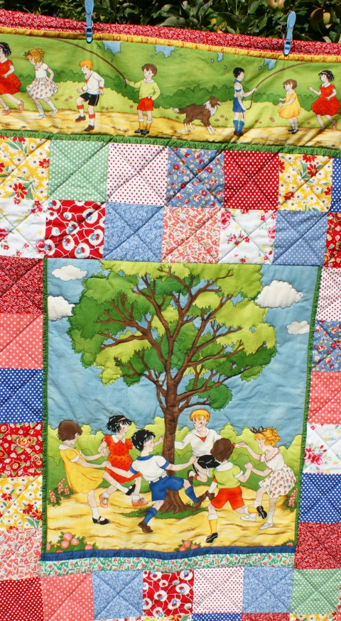 Round the Mulberry Tree quilt