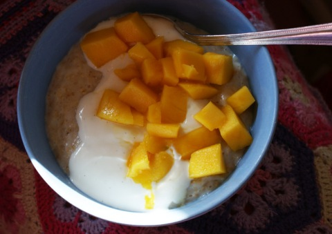 favourite breakfast - porridge, vanilla yoghurt and mango