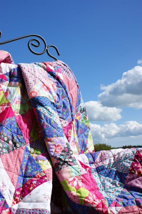 Siesta Quilt - capturing the colours of a summer sky