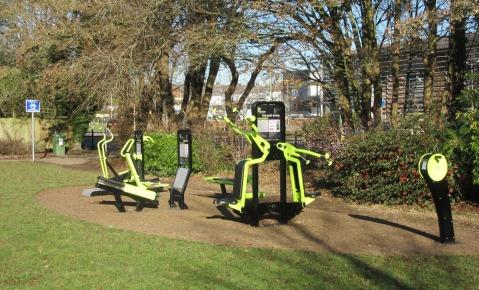 outdoor-gym-at-weeke